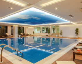 Indoor Pool & Lounge